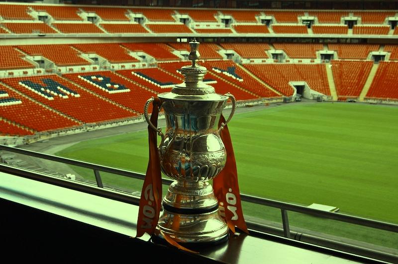 Pertandingan Belum Dimulai, Pendukung Everton dan Manchester United Bentrok