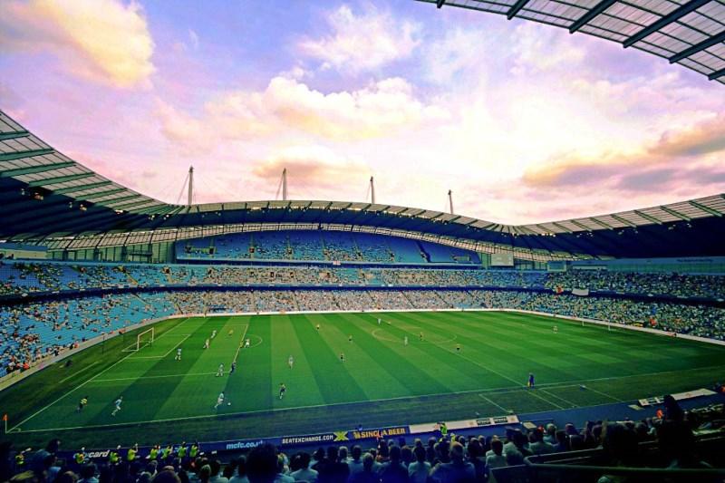 Manchester yang (Semakin) Berwarna Biru