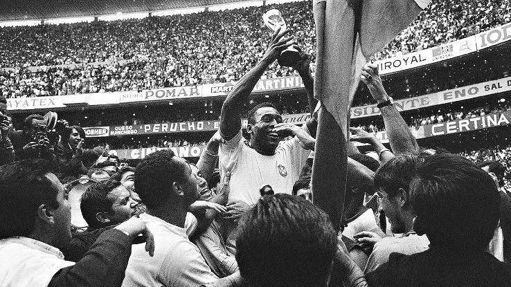 Butuh Uang, Pele Lelang Barang Koleksi Piala Dunia 1970