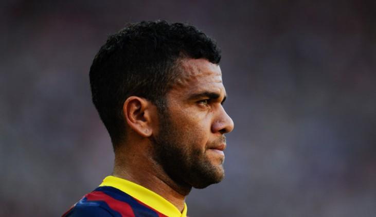 """Daniel Alves Penuhi Kualifikasi Standar """"Pemain Tua"""" Juventus"""