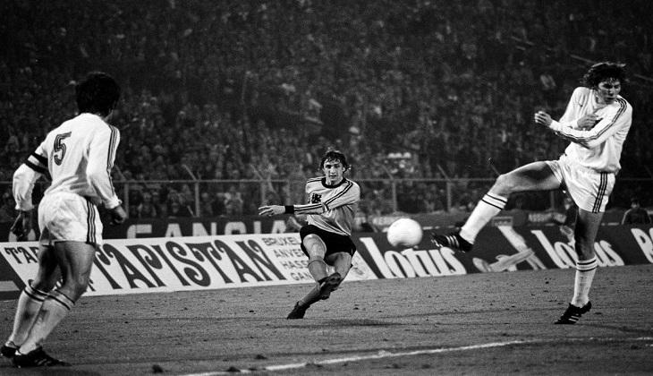 Kegagalan Cruyff Selamatkan Leicester, Levante, dan Diri Sendiri