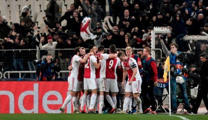 Kerusuhan Mewarnai Momen Penantian 13 Tahun Ajax