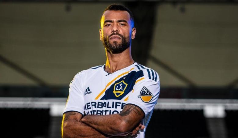 LA Galaxy Ingin Pertahankan Zlatan, Tak Perpanjang Kontrak Ashley Cole