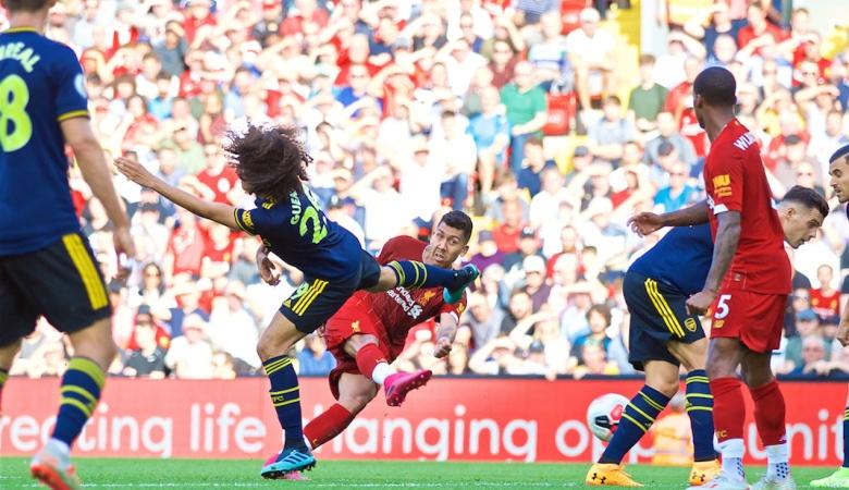 Liverpool Tergiur Umpan Silang di Babak Pertama