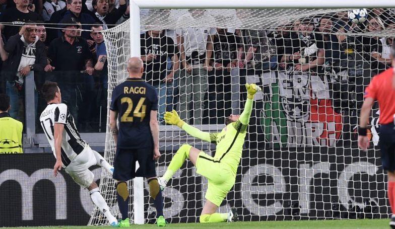 Skema Tiga Bek Monaco Gagal Ladeni Juventus