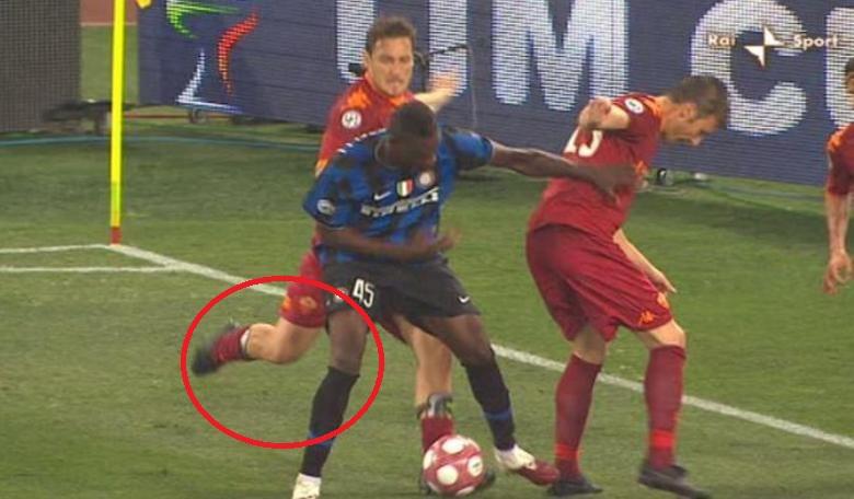 Kenangan Totti Saat Menghantam Balotelli