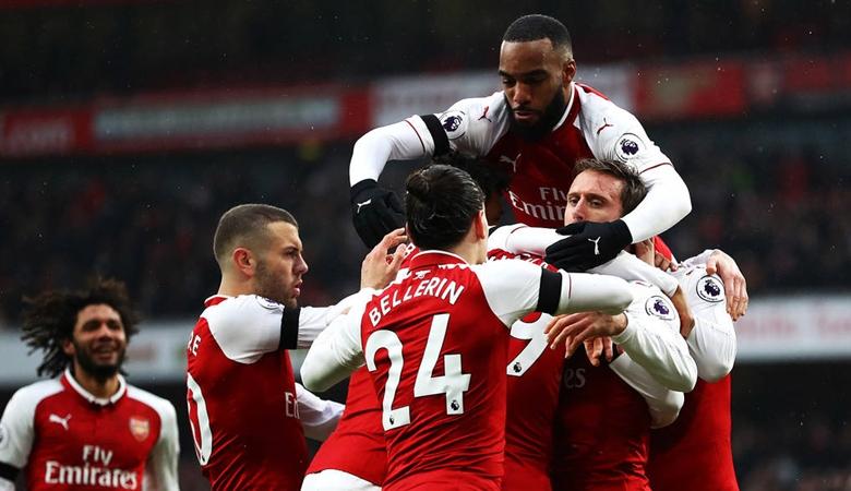 Alexis di Manchester Saat Arsenal Menang Telak
