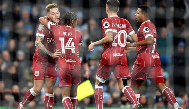 Pujian untuk Bristol City