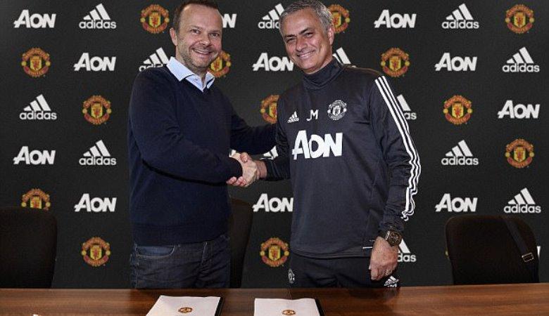 Kado Ulang Tahun untuk Mourinho dari Manchester United