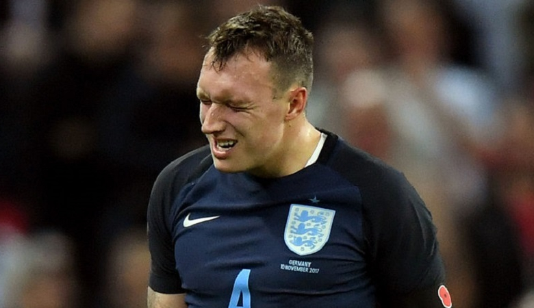 Mourinho Kecam Enam Suntikan yang Diterima Jones Saat Bela Timnas Inggris