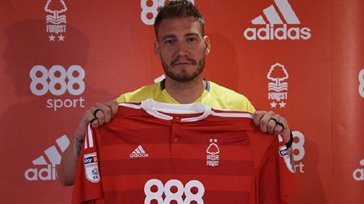 """""""Lord"""" Bendtner Kembali ke Liga Inggris"""