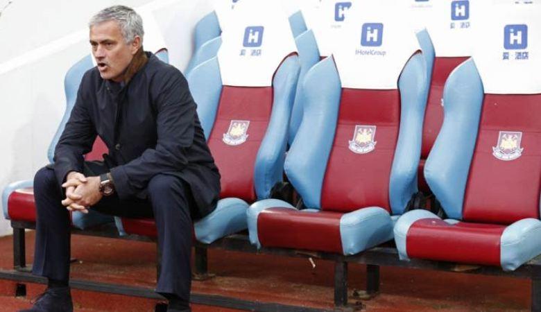Hari Buruk Manchester United dan Mourinho