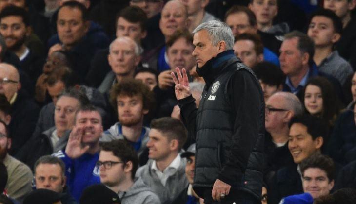 Pakai Skema Tiga Bek, Manchester United Bukan Sekadar Ikut-ikutan