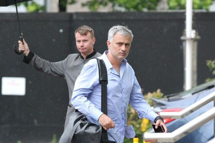 Mourinho Memilih Tinggal di Hotel Karena Malas