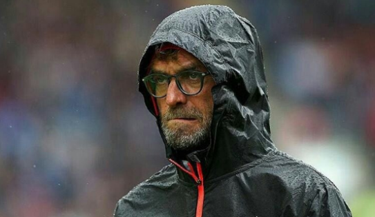 Sulitnya Mencari Bek Kiri untuk Liverpool