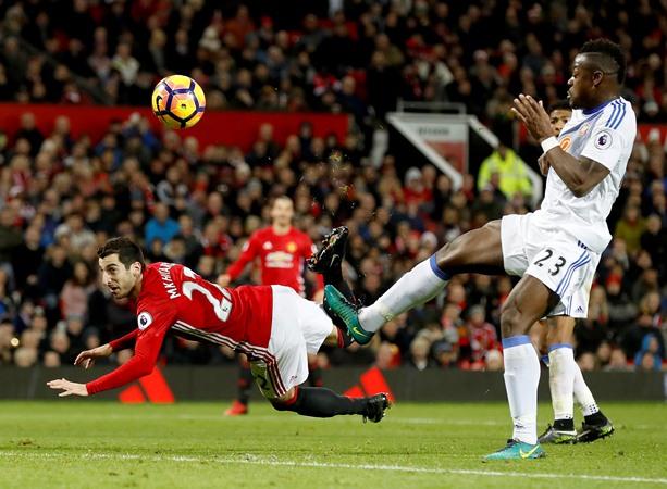 Henrikh Mkhitaryan Borong Gelar Tiga Gol Terbaik Manchester United Desember 2016