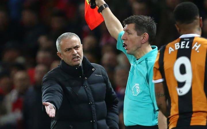 """Mourinho: """"Saya Berbeda, Aturan untuk Saya Juga Berbeda"""""""
