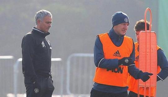 Mourinho Menyesal Karena Perlakukan Schweinsteiger Secara Tidak Layak