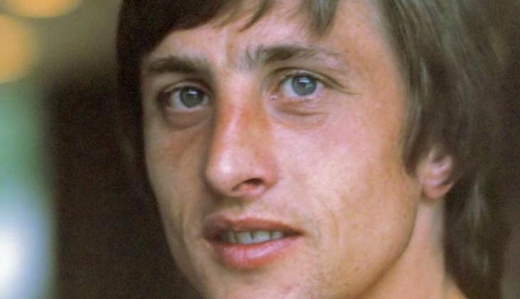 Saat Hegel Tersenyum Melihat Sepakbola
