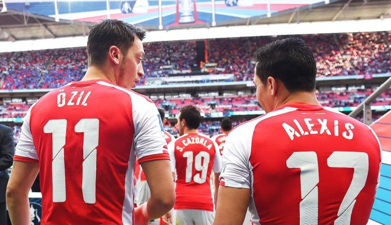 Membayangkan Arsenal Tanpa Oezil dan Sanchez