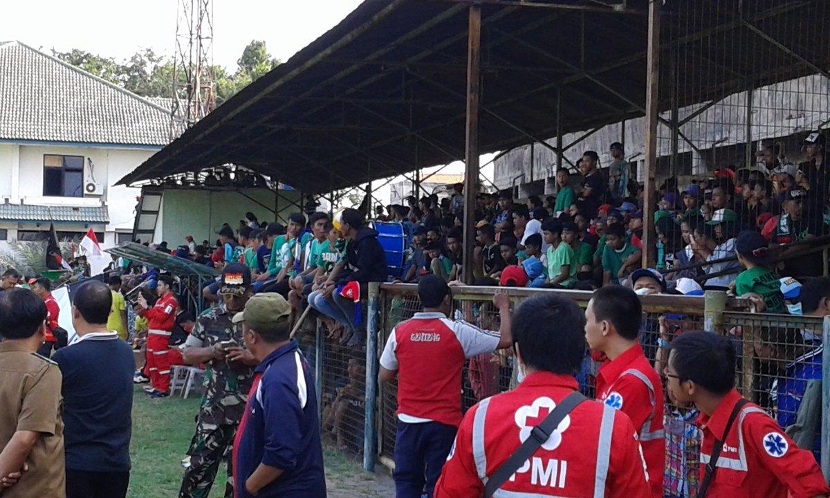 Dukungan dari Para Suporter Indonesia untuk Bonek dan Persebaya
