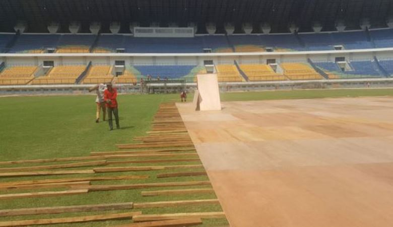 Rumput Stadion yang Berakar pada Mentalitas Bangsa