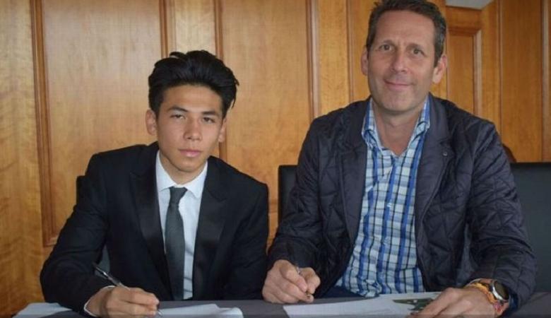 Benjamin Davis, Pemain Singapura Pertama di Fulham