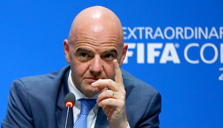 Presiden FIFA Anggap VAR Sempurna Meski Banyak Dikritik