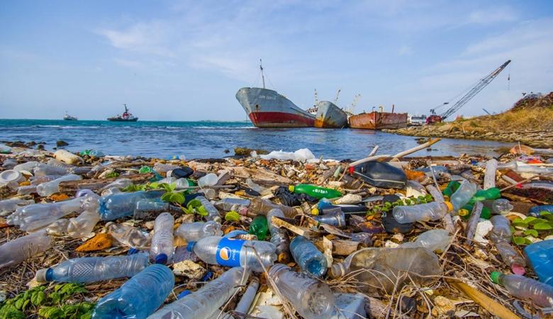 Kala Bintang Timnas Spayol Ramai-ramai Makan Plastik