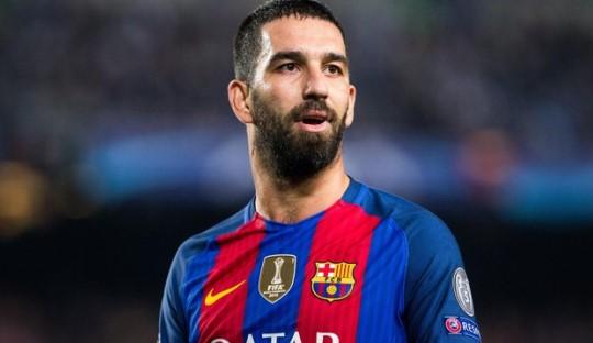 Arda Turan Tepis Isu Tinggalkan Barcelona