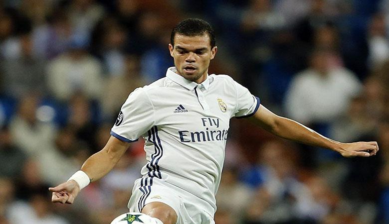 Dikaitkan dengan Inter Milan dan PSG, Pepe Serahkan Nasibnya ke Real Madrid