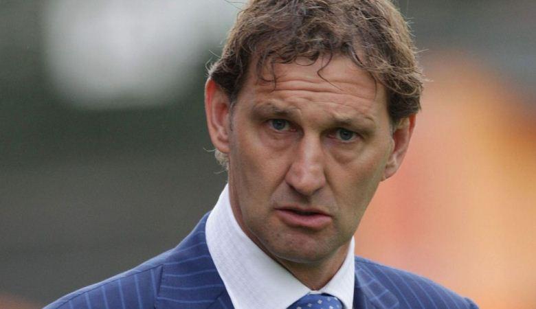 Sevilla akan Menjadi Tantangan Berat Tony Adams