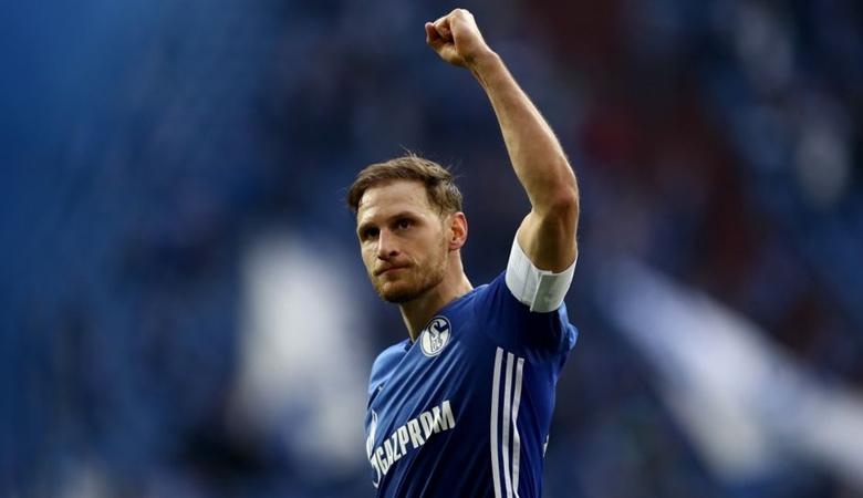 Membela Schalke, Melawan Schalke