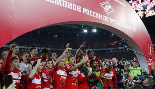 Spartak Moskow Juara Liga Rusia, Fans Penuhi Lapangan Usai Peluit Panjang