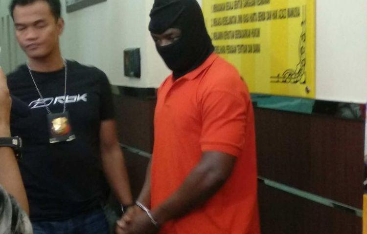 Mantan Pemain Asing Persiba dan Mitra Kukar Diringkus Polisi karena Kasus Penipuan