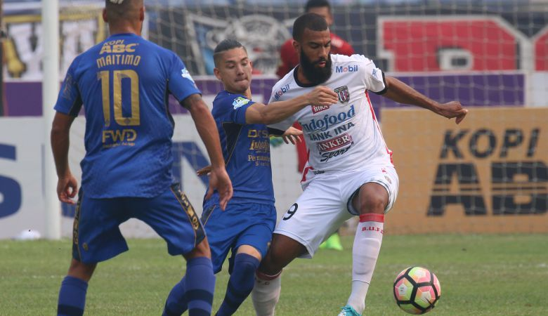 Peluang Sylvano Comvalius Catatkan Sejarah di Sepakbola Indonesia