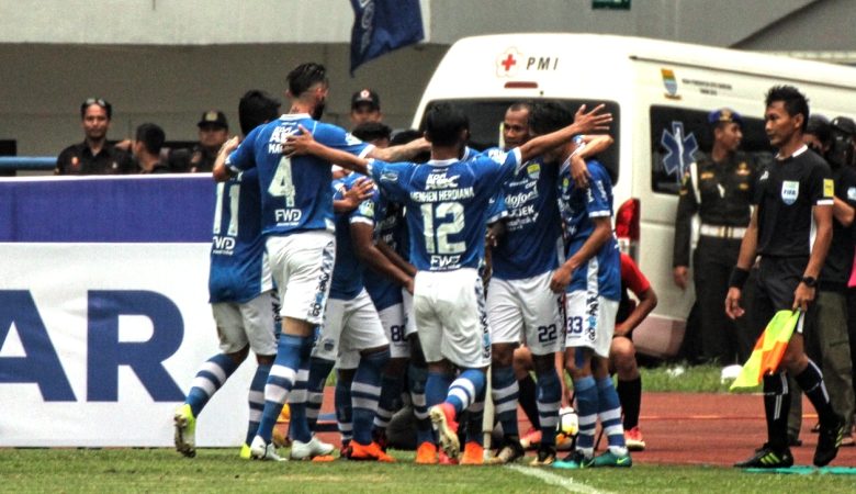 Persib Bandung dan Mitra Kukar Saling Bidik Kemenangan Pertama