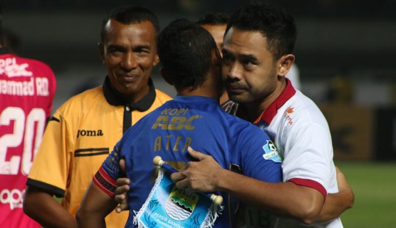 Ponaryo Astaman Pelatih Kepala Borneo FC di Piala Presiden 2018