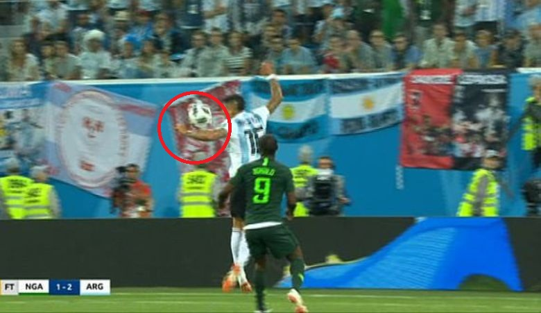 Keputusan Tepat Wasit Pada Insiden Handball Rojo