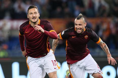 Gol Totti di Penghujung Laga Antarkan Roma ke Babak Semifinal Coppa Italia
