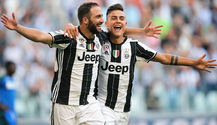 Dua Gol Higuain Buat Juventus Semakin Mantapkan Posisi