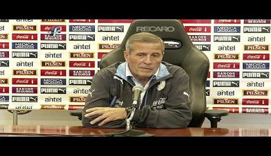 Ini Alasan Pelatih Uruguay Tak Memainkan Luis Suarez