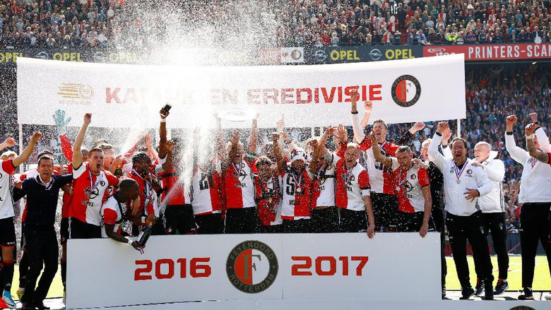 18 Tahun Penantian Feyenoord untuk Mengangkat Trofi
