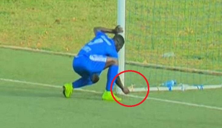 Pemain Ini Berhasil Mencetak Gol Setelah Membuang Jimat Lawan