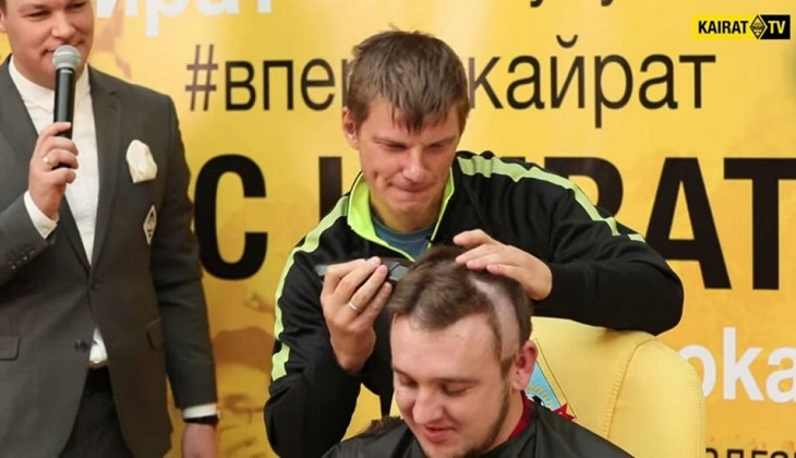 Ketika Arshavin Beralih Jadi Tukang Cukur Rambut di Kazakhstan