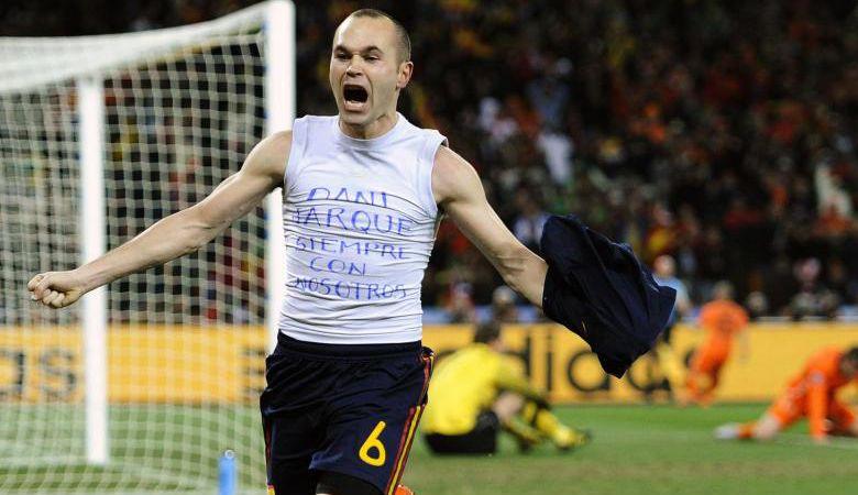 Enam Tahun Hubungan Harmonis Iniesta dan Pendukung Espanyol