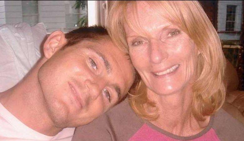 Frank Lampard, Anak Manja yang Tak Bisa Jauh dari Ibunya