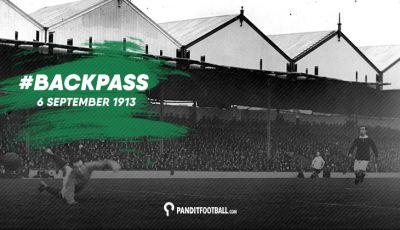 Pertandingan Pertama di Highbury