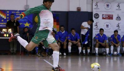 Presiden Paling Gila Sepakbola Ada di Bolivia, Namanya Evo Morales