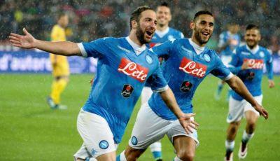 """Full-back"" Kesuksesan Lain Taktik Maurizio Sarri Bersama Napoli"